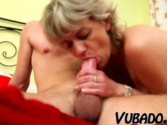 MILF GETS FUCKED IN BE... - Xhamster