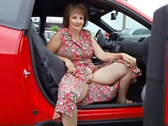 Xhamster Movie:Women & cars