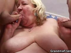 Couple attends therapy... video