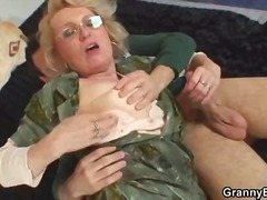 Hot granny fuck and cumshot