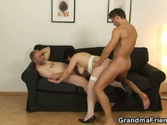 Thumb: Hubby gets wife new co...