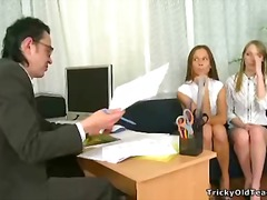 Yobt TV Movie:Perverted young girls play sex...