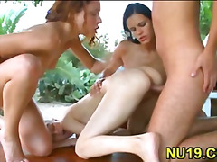 H2porn Movie:Fellow meets girl on a street