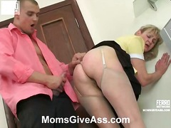 Mix of Mature Porn vid...