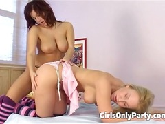 Horny girls having fun... video