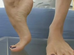 Xhamster Movie:Celeste Star's Soles On Glass