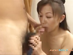 Mature Woman Giving Blowjob Cum To Tits In The Sitting Roo