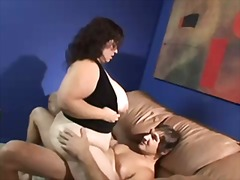 BBW works on herself t...