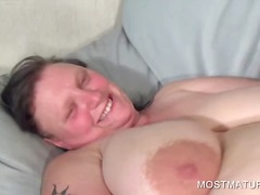 Nuvid - Bitchy mature working tits and twat