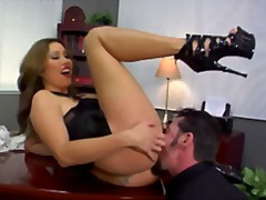 Kianna Dior makes kiss...