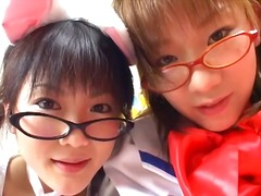 WinPorn - Two cute young Japanes...