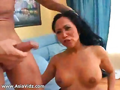Big breasted Asian nympho Kitty Langd...