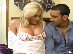 Yobt TV Movie:Blonde Phoenix Marie Seduces h...
