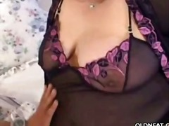 Mature Fatty Seduces a...
