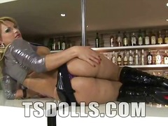Very attractive tranny... video