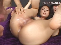 Triple treat with two girls getting v...