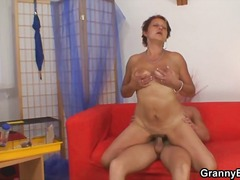 Wet granny pussy pounded