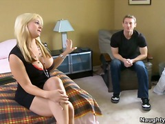 Yobt TV Movie:Blonde cougar Sarah Vandells t...