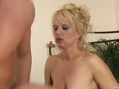 Blonde mom Marylin in ...