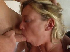 Sex starved mature blonde Samantha Lee