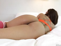 Leilani Leeane is a hot bodied