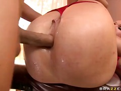chloe,  brutal, first, orgasm, toy