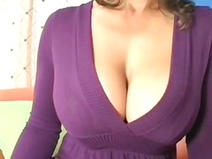 MILF shows twat in 3so... video