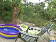 teen, petit, pussy-eating, brunette, outdoors
