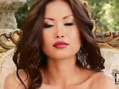 Gorgeous petite Asian Danika loves po...
