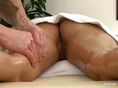 Muscley masseur Johnny...
