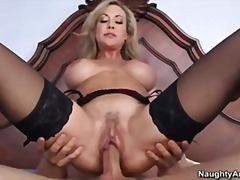 Thumb: Milf Brandi Love catch...