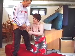 Mature Dame Banged In The ... - 07:39