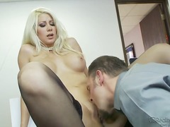 Jazy Berlin interrupts her coworker for