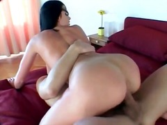 Alpha Porno Movie:Raven haired hottie with gorge...