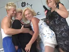 DrTuber Movie:Dirty mature housewife and her...