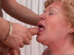 Fat mature fucked in t...