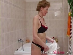 mature, grandma, milf, fetish, amateur, housewife, older