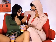 elegant wowgirls eating pussies