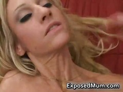 Big tits mum fingers screws her skank part6