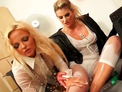 DrTuber Movie:Very hot busty blonde babes wi...
