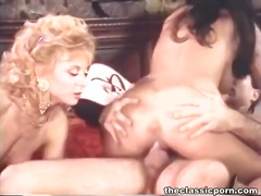 Hungry pussy slits swa... - Yobt