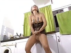 Evey krystal - ready t... video