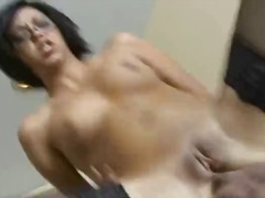 Amateur naked brunette... - DrTuber