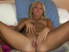 Blonde milf paige really knows how