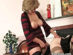 Busty mature slut puts...
