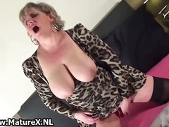 Horny mature mom weari...