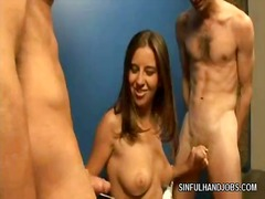 Kelly's doble tugjob s...