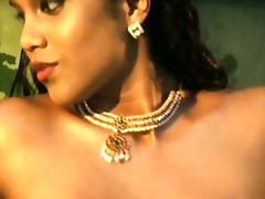 Brunette bollywood dancer dances nude from india