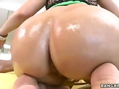 PornHub Movie:Madison has a big tight ass to...