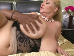 Updatetube Movie:Lusty cock hungry chubby blond...